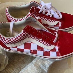 NIB vans red checkerboard old skool sneaker size 7
